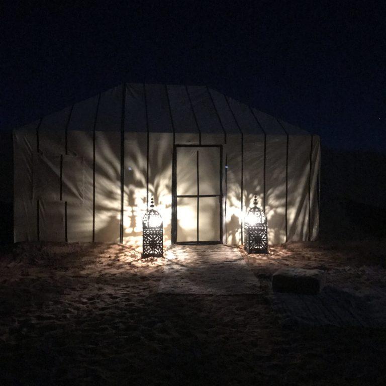 Overnachting in de Erg Chebbi woestijn bij Merzouga, Marokko,